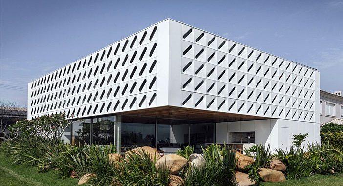 Ventura House by Arquitetura Nacional