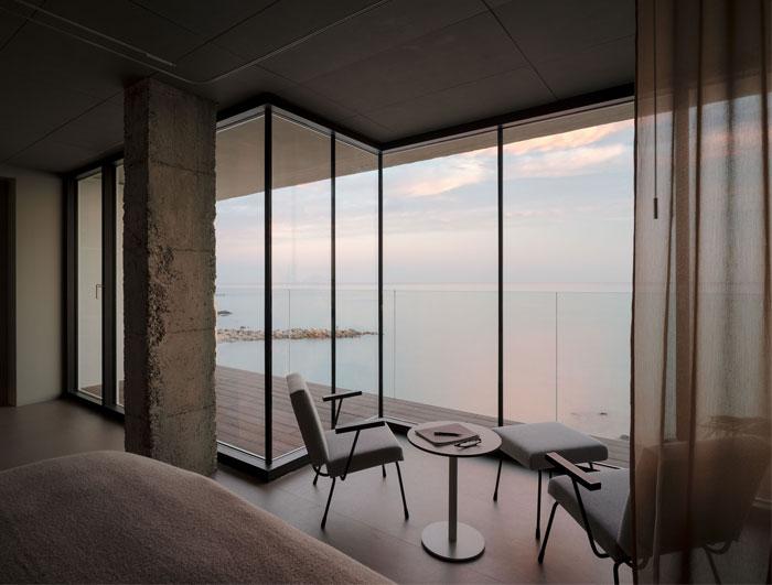 room with a sea view estudio primitivo gonzalez 5