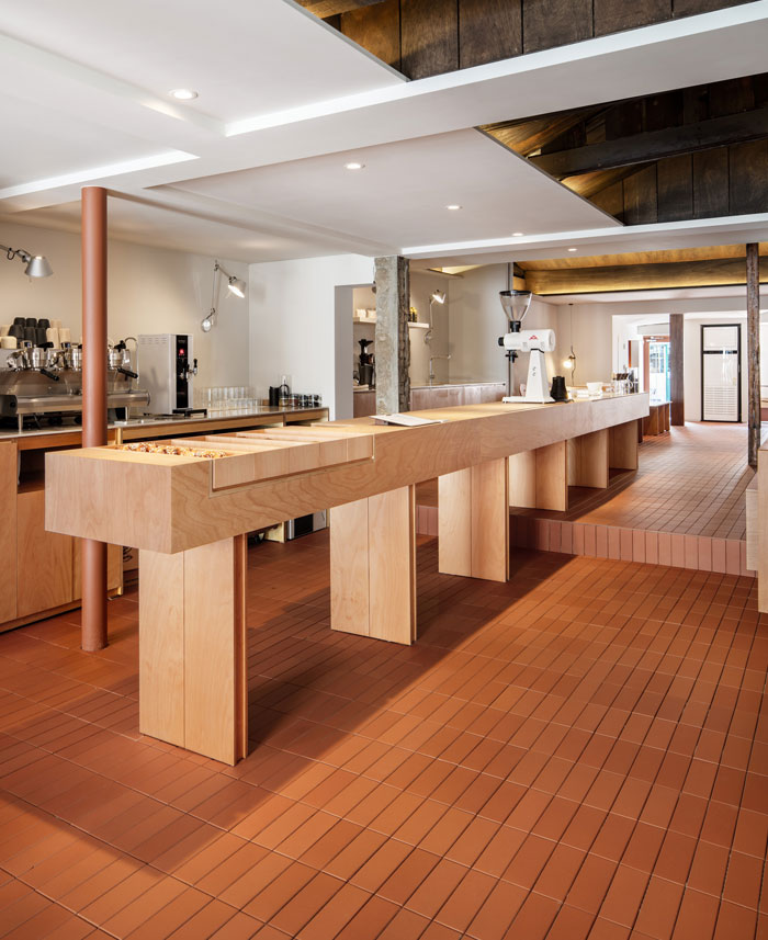 pont coffee shop 5