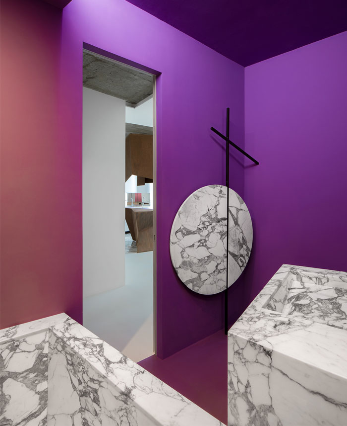 kashin architects all white interior space moscow 6