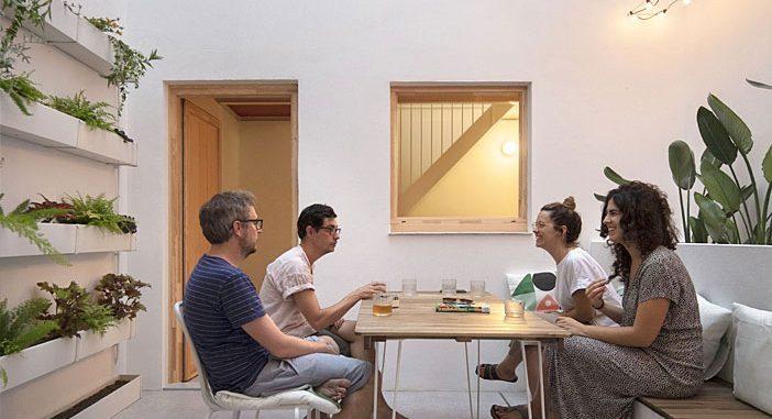 Rosari 70 House by Manuel Sánchez Hernández