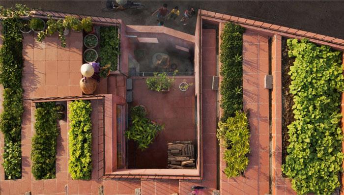 sustainable design trends vertical gardening 1