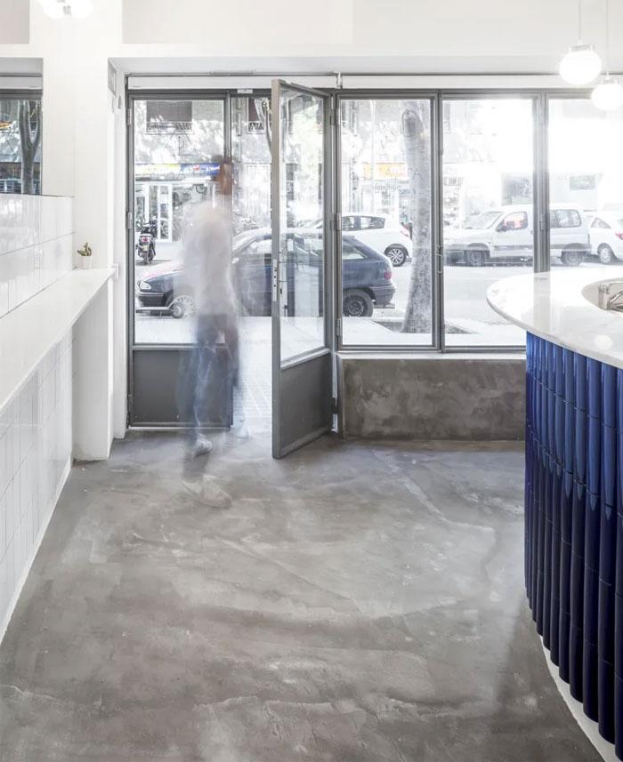 atlantis gastrobar tiny 20 sqm restaurant 5