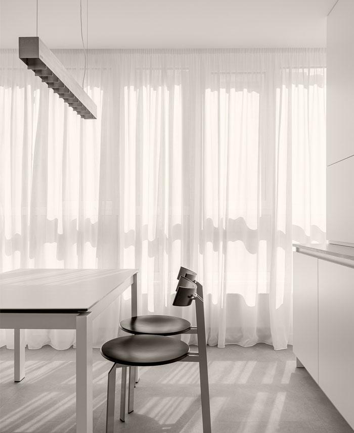 minimalist space aciid studio 7
